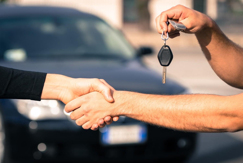 кредит на покупку подержанного автомобиля деньги под залог недвижимости в спб легально и срочно
