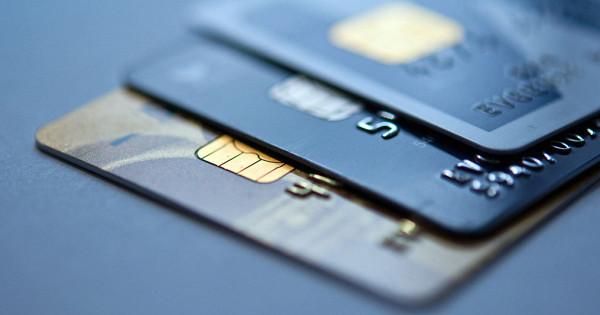 Ограничена выдача кредитных карт россиянам