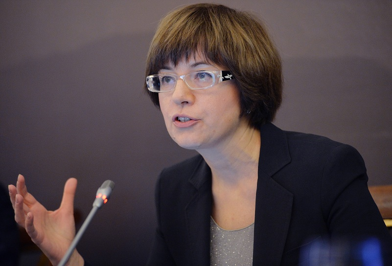 Регулятор отложил ужесточение условий по ипотеке в РФ