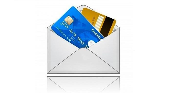Банковские клиенты выбирают карты, доставляемые на дом