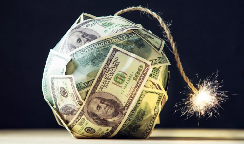 Девальвация доллара: нужно ли спасать накопления